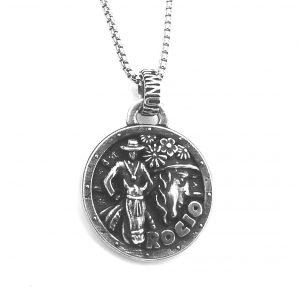 Colgante Virgen romeros acabado en plata  Rocío HIMNUM